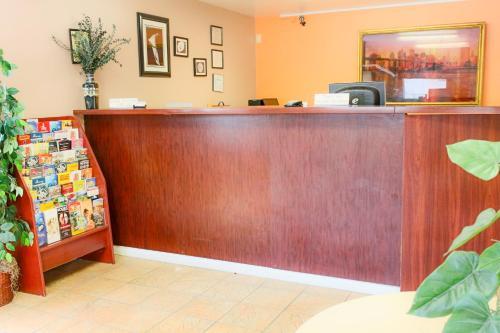 Budgetel Inn And Suites Atlanta Midtown - Atlanta, GA 30308