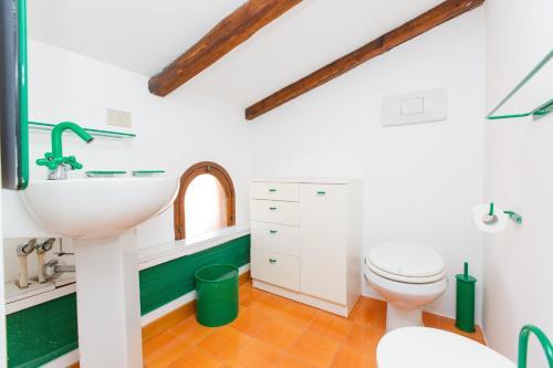 Habitatu0027s Attic Spanish Steps 4 Bedrooms & Habitatu0027s Attic Spanish Steps 4 Bedrooms in Italy