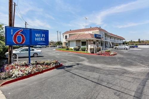 Motel 6 San Jose Airport Photo