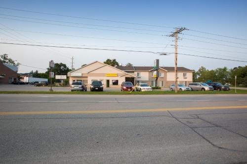The Village Inn - Elora, ON N0B 1S0