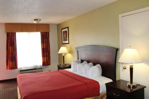 Quality Inn Plainview - Plainview, TX 79072