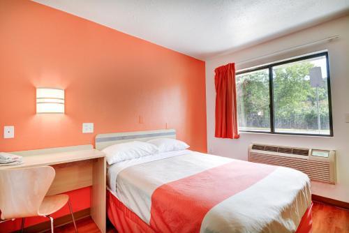 Motel 6 Hartford - Southington - Southington, CT 06489