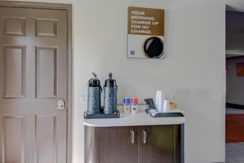 Motel 6 San Antonio Medical Center South - San Antonio, TX 78229