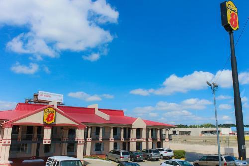 Super 8 By Wyndham College Park/atlanta Airport West - Atlanta, GA 30349
