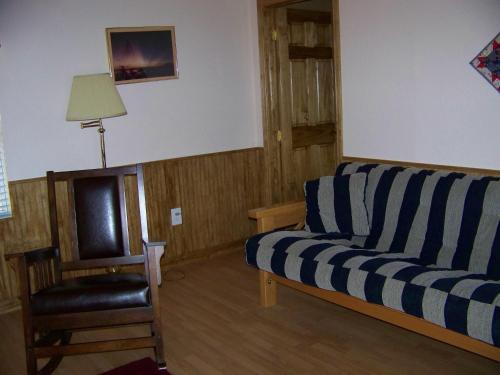 The Windmill Farm Bed And Breakfast - Tolar, TX 76476