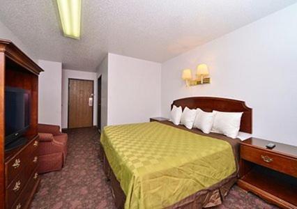 Rodeway Inn West Fargo - West Fargo, ND 58078