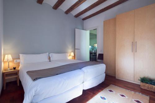 Inside Barcelona Apartments Esparteria photo 21