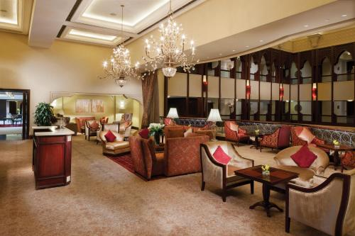 Shangri-La Hotel, Qaryat Al Beri photo 12