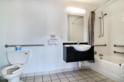 Motel 6 Lubbock - Lubbock, TX 79412
