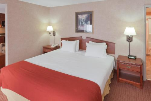 Holiday Inn Express Hotel & Suites Deadwood-gold Dust Casino - Deadwood, SD 57732