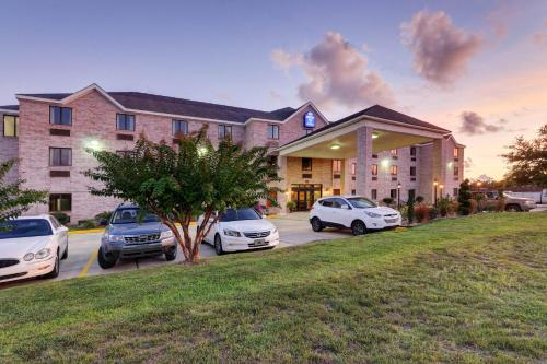 Regency Inn & Suites Biloxi - Biloxi, MS 39532