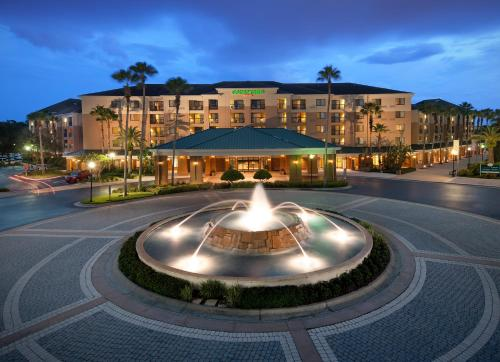 Courtyard by Marriott Orlando Lake Buena Vista in the Marriott Village impression