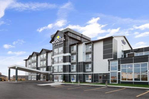 Microtel Inn & Suites by Wyndham Estevan Photo