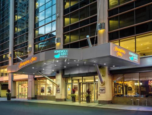 Hampton Inn Chicago Downtown/magnificent Mile - Chicago, IL 60611