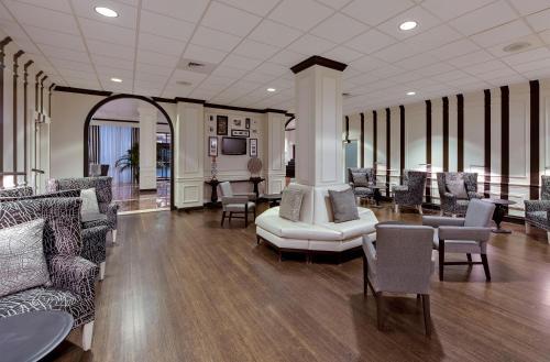 Wyndham Atlanta Galleria Photo