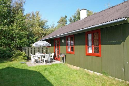 Holiday home Dueodde H- 884