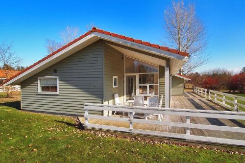 Holiday home Ernst H- 1052