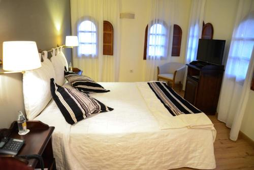 Doppel-/Zweibettzimmer mit Bergblick Hotel Cardenal Ram 1