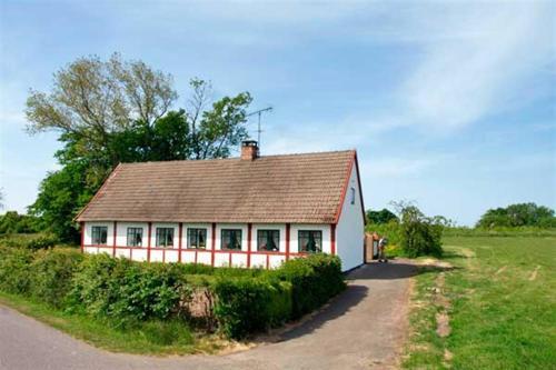Holiday home Lyrsbyvej E- 2833