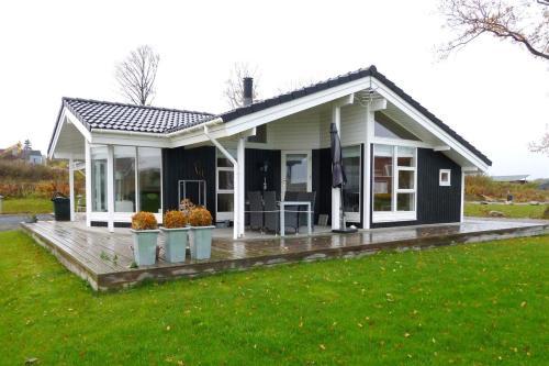 Holiday home Søren F- 4378
