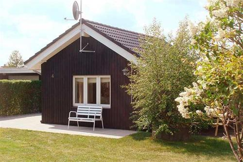 Holiday home Tværvej E- 4937