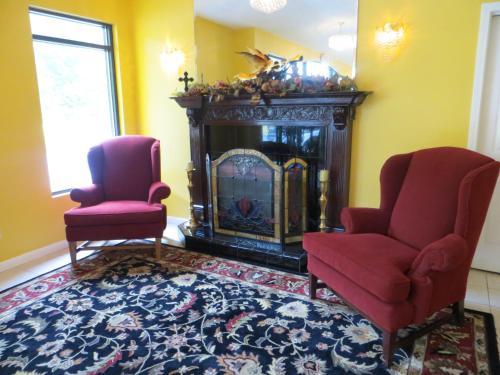 Golden Manor Inn & Suites - Muldraugh, KY 40155