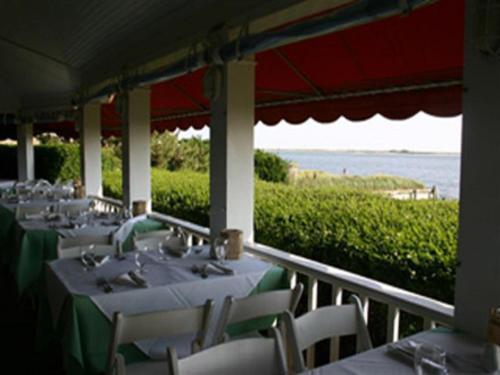 The Inn Spot On Bay Hotel Hampton Bays