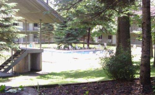 Clinton Inn Photo