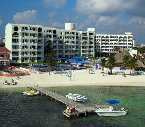 Aquamarina Beach Hotel Resort Cancun