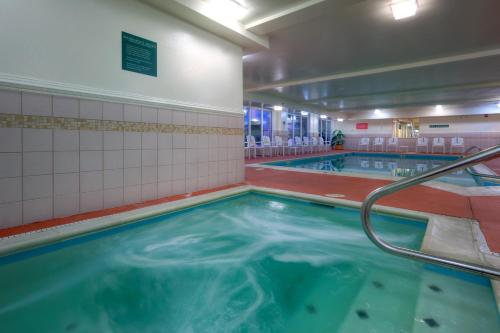 Country Inn & Suites by Radisson, Chester, VA Photo