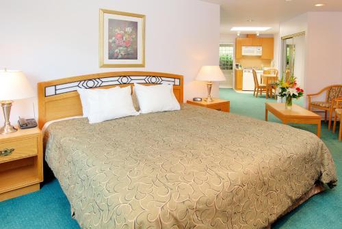 Grouse Inn - North Vancouver, BC V7P 3B3
