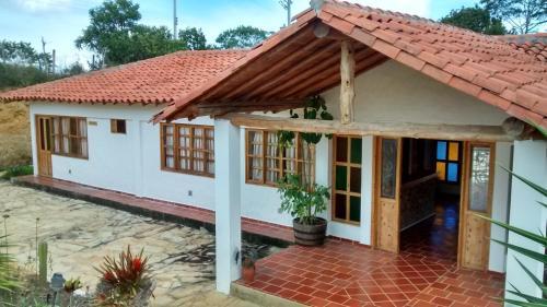 Hotel hacienda sanmiguel de la prada los santos desde 38 for Villa jardin piedecuesta