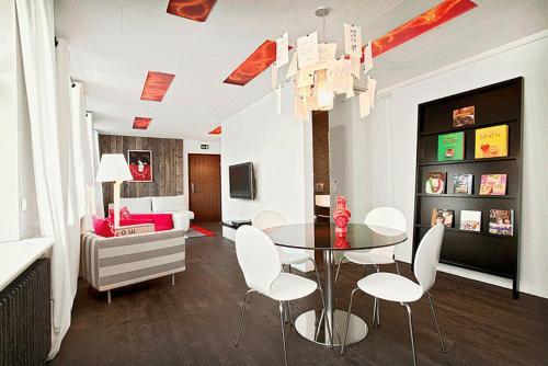 Amazing ... Apartment K ...