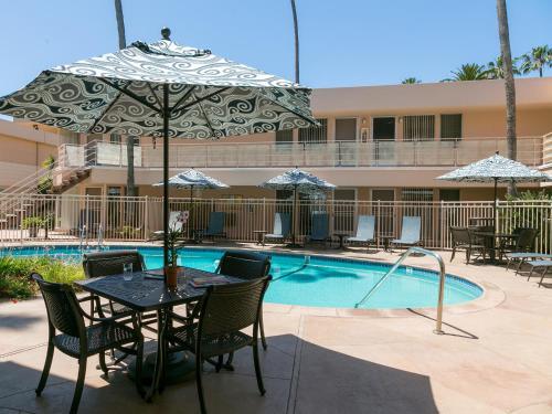 La Jolla Riviera Inn Photo
