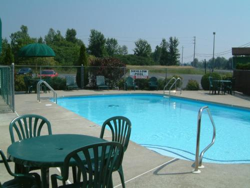 Mcintosh Country Inn & Conference Centre - Morrisburg, ON K0C 1X0