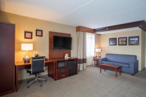 Comfort Inn Edgewater Photo