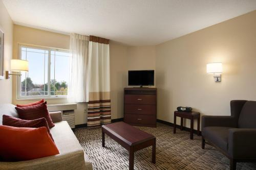 Hawthorn Suites - Louisville Jeffersontown Photo