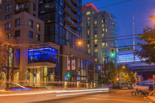 Hotel Blu Vancouver - Vancouver, BC V6B 0N3