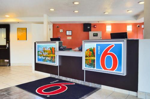 Motel 6 Syracuse Photo