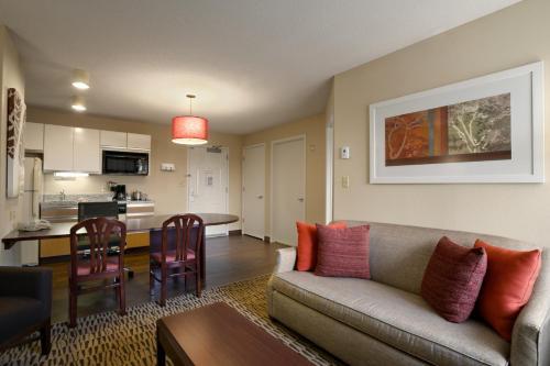 Hawthorn Suites By Wyndham Chicago Schaumburg - Schaumburg, IL 60173
