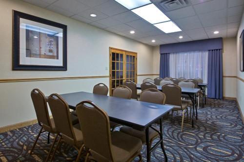 Country Inn & Suites by Radisson, Lexington, VA Photo