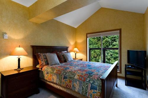 Benchlands Townhomes By Blackcomb Peaks Accommodation - Whistler, BC V0N1B4