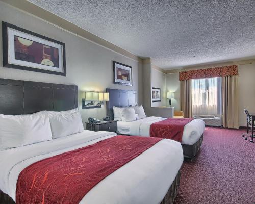 Comfort Suites Parkersburg South Photo