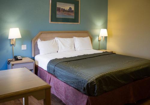 Rodeway Inn - Muskogee, OK 74401