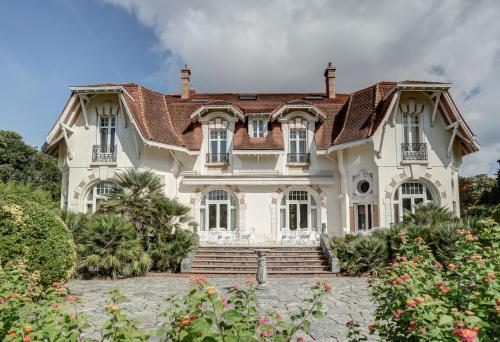 48 Rue Alan Seeger, Biarritz, France.