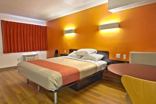 Motel 6 Piscataway Photo