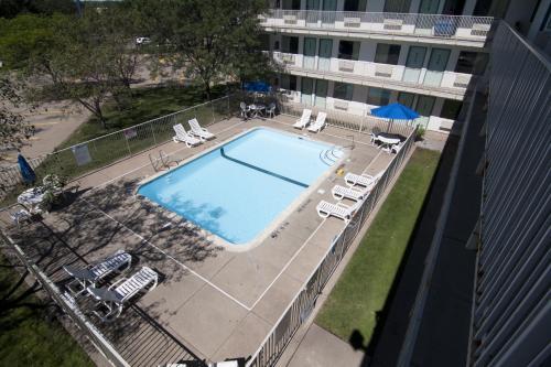 Motel 6 Minneapolis North - Roseville - Roseville, MN 55113