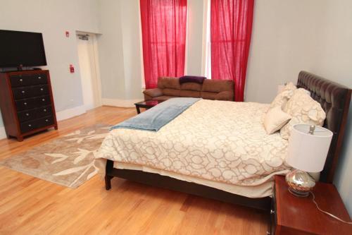 Walnut Street Stunning 3 Bedroom - Philadelphia, PA 19103