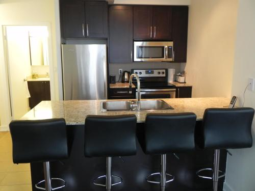 Pathway Luxury Suites - Mississauga, ON L5B 0C3
