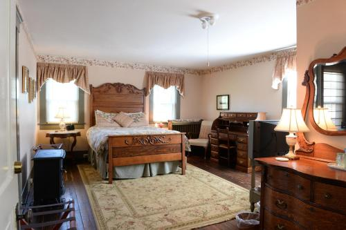 Superieur Holladay House Bed And Breakfast Orange